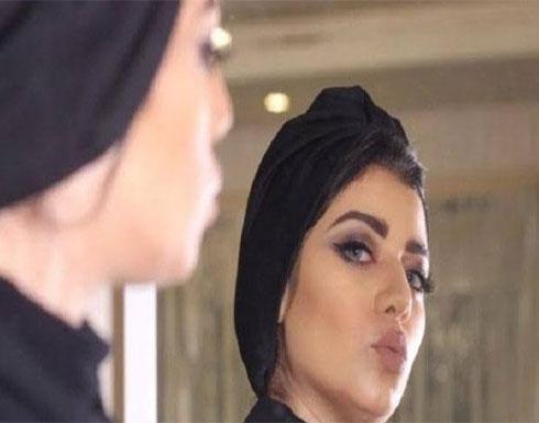 شاهد : دهشة رواد التواصل من الشبه بين لطيفة تركي و نجلاء عبد العزيز
