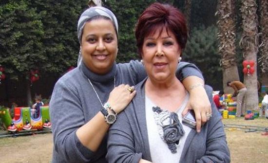 ابنة رجاء الجداوي تكشف عن المتسبب في إصابة والدتها بكورونا (فيديو)