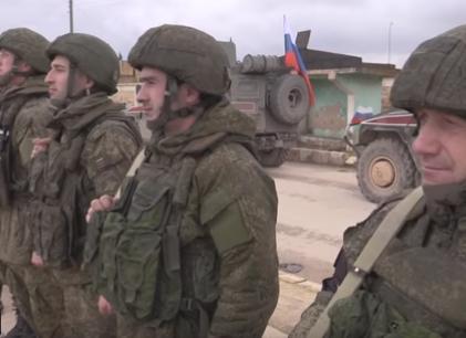 شاهد .. الشرطة العسكرية الروسية تسيّر دورياتها في منبج
