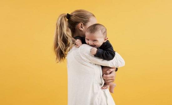 دراسة: الأمومة تعادل عمل وظيفتين ونصف بدوام كامل