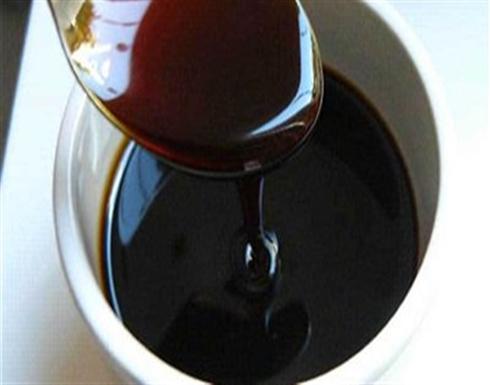 فوائد العسل الأسود للبشرة غير متوقعة.. استخدميه بهذه الطريقة