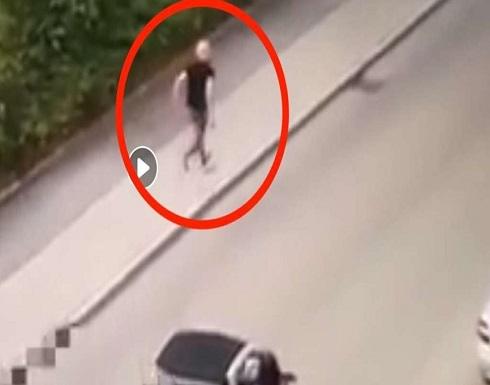 لاجئ سوري يقتل ألمانياً بالساطور وسط الشارع..صور