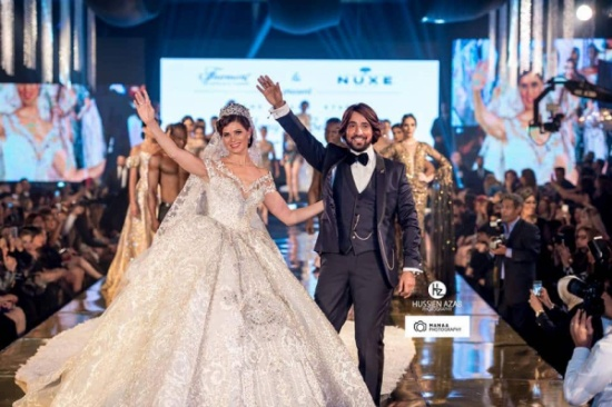 صور: هاني البحيري تحت قصف رواد مواقع التواصل الإجتماعي بعد عرض أزياء عنصري