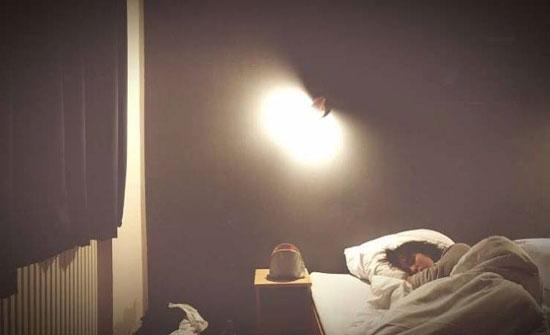التعرض للضوء أثناء النوم يرفع خطر الإصابة بالسكر