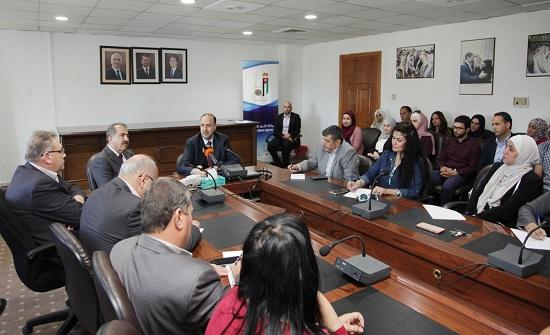 """المومني: الاقتصاد الأردني """"صامد"""" وقادر على تجاوز التحديات"""