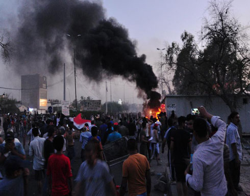 العراق.. إحالة قادة أمنيين للتحقيق بسبب احتجاجات البصرة