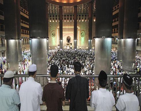 دول عربية وإسلامية تعلن الاثنين غرة رمضان وعُمان تنفرد بالثلاثاء