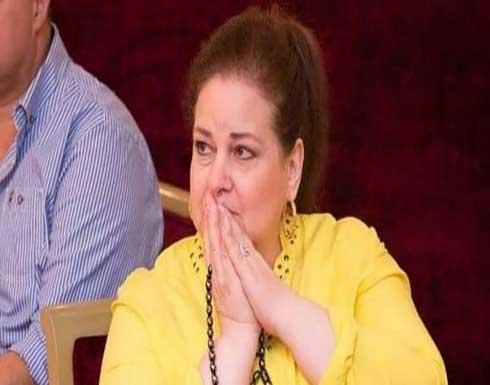 دلال عبدالعزيز بدأت تشعر برحيل سمير غانم