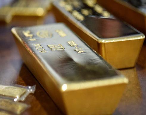 الذهب يستقر قرب 1500 دولار ويسجل أفضل أداء أسبوعي في 3 سنوات