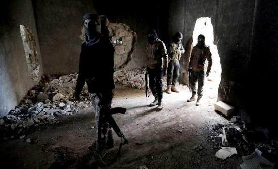 """32 قتيلا في هجمات مضادة لتنظيم """"الدولة"""" شرق سوريا"""