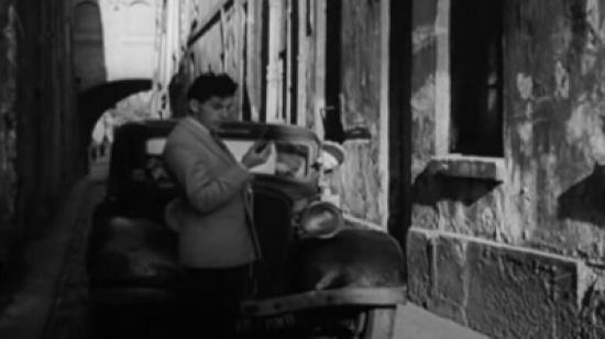قبل 73 عاماً.. شاهد: فيلم فرنسي تنبأ بشكل صادم بواقعنا الحديث