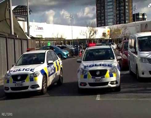 شاهد : بعد طعنه ستة أفراد شرطة .. نيوزيلندا تقتل منفذ هجوم أوكلاند