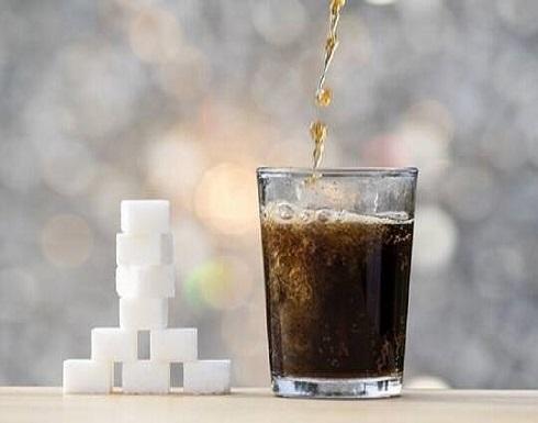 """""""ليست أفضل من العادية"""".. دراسة صادمة تكشف خطر مشروبات الحمية على صحتنا!"""