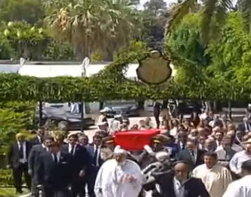 شاهد : لحظة تشيع جثمان الرئيس التونسي الباجي قايد السبسي اليوم