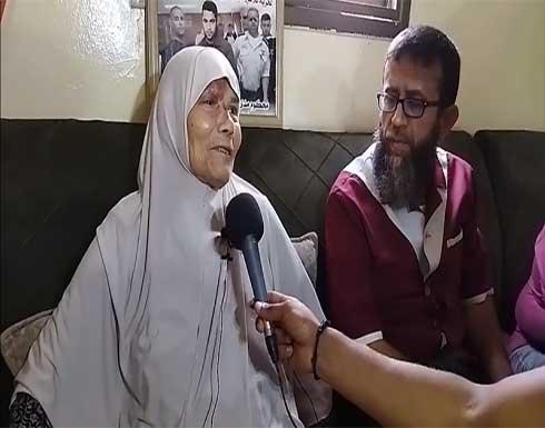 والدة أحد الأسرى من سجن جلبوع: طول عمري رافعة راسي بيه .. بالفيديو