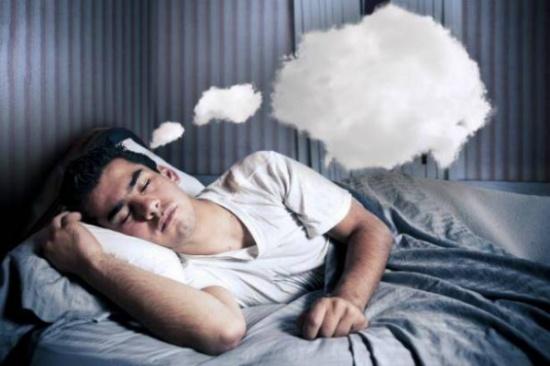 كيف تعود إلى الحلم بعد الاستيقاظ منه؟