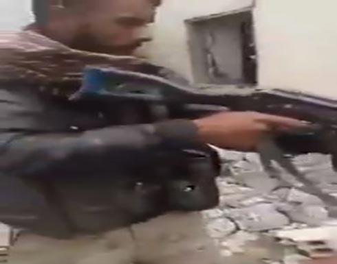 بالفيديو....القوات الكردية تعدم مواطنين عرباً في الر قة