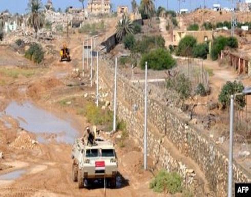 أمن غزة يعتقل 3 مسلحين حاولوا التسلل إلى مصر
