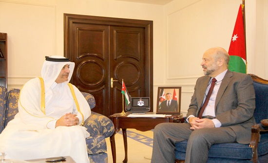 الرزاز يؤكد أهمية تبادل الخبرات بين الأردن وقطر خدمة للعلاقات الثنائية
