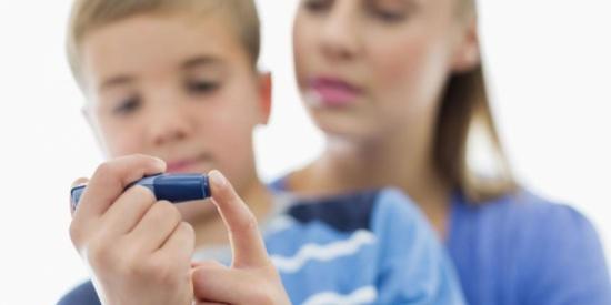 إصابة الأطفال بالسكري أكثر حدة من الاصابة في سن البلوغ