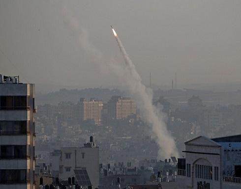 إطلاق ثلاث قذائف صاروخية من قطاع غزة باتجاه مستوطنات حدودية والقبة الحديدية تعترض إحداها