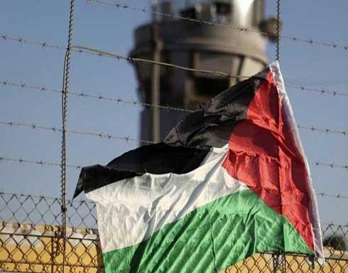 """ستة أسرى إداريين يواصلون معركة """"الأمعاء الخاوية"""".. والسجون تستعد لـ""""ثورة"""" ضد السجان"""