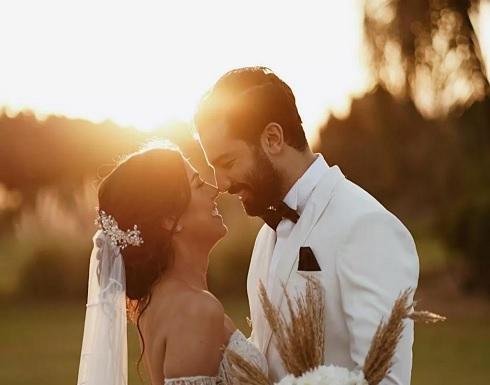 شاهد.. حازم إيهاب يحتفل بزفافه وسط إجراءات احترازية والعروس وشقيقها ينهاران بالبكاء