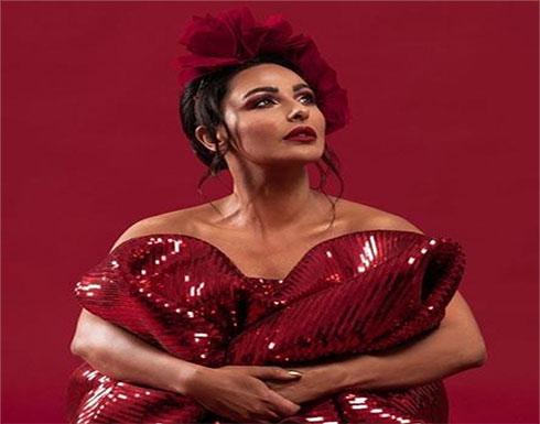 بالفيديو : الاردنية ميس حمدان تغني في عيد الحب