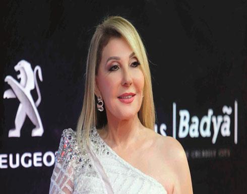 إطلالات تبرز أنوثة نادية الجندي رغم بلوغها سن 75.. شاهد