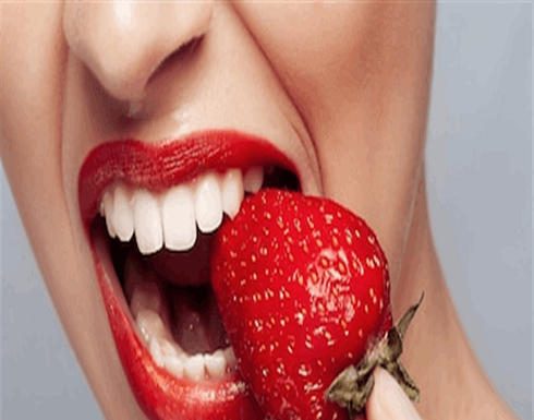 الفراولة.. لذيذة ولها 4 استعمالات للعناية ببشرتك أيضاً