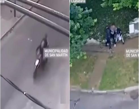 بالفيديو : نهاية مروعة لـ3 لصوص سرقوا شاباً في الأرجنتين