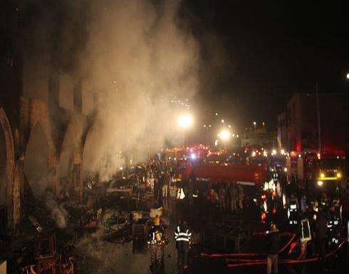 صور وفيديو : حريق ضخم بمحلات اثاث في وسط البلد