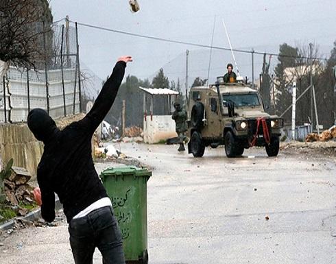 إصابة بمواجهات مع الاحتلال في قلقيلية واعتقال 12 مقدسيا