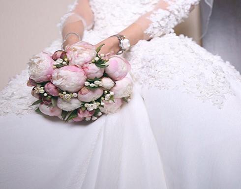عروس بريطانية تفرض رسوم دخول حفل زفافها