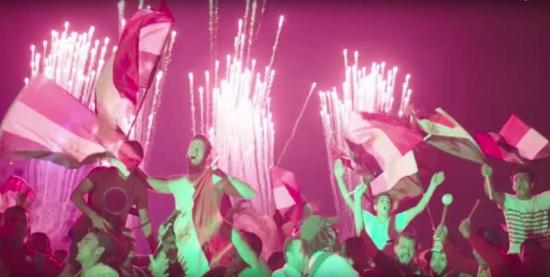 """""""الفرحة الليلة"""" بصوت عمرو دياب احتفالا بتأهل مصر لكأس العالم… فيديو"""
