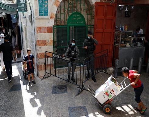 الاحتلال يشن حملة اعتقالات ومداهمات بالضفة والقدس (شاهد)
