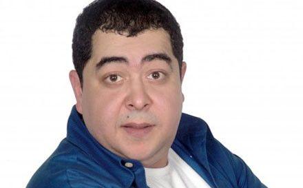 وفاة والد الفنان طارق عبدالعزيز