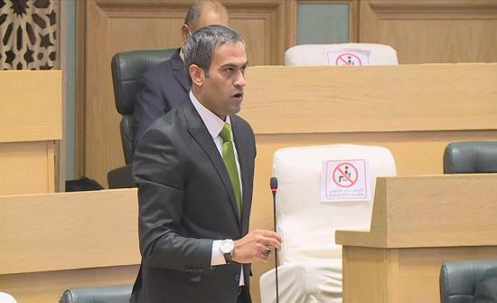 النائب الأردني أسامة العجارمة سيتوجه للمحكمة الإدارية بعد تجميد عضويته