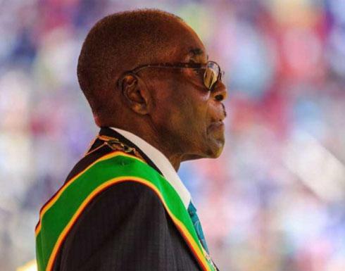 """موغابي.. 30 عاما رئاسية ينهيها """"الانقلاب"""""""