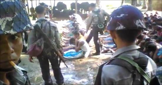 جيش ميانمار يواصل دهم قرى الروهينغا وتهجير الآلاف