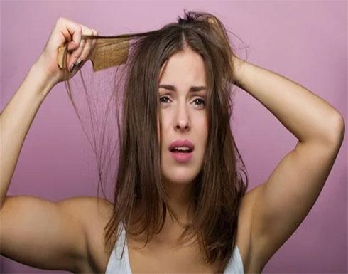 بدون تقطيع.. طرق لفك تشابك الشعر بدون مجهود