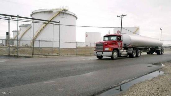 النفط يغلق منخفضا متأثرا بهبوط الأسواق العالمية