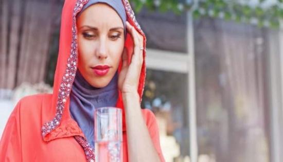 قبل شهر من قدوم رمضان.. نصائح لصوم بدون صداع من اليوم الأوّل