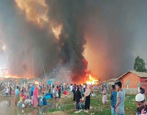 شاهد : حريق يدمر آلاف المساكن في مخيمات اللاجئين الروهينغا ببنغلادش