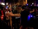 محتجون يتحدون عناصر الأمن في برشلونة