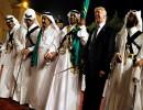 بالفيديو... ترامب يشارك الملك سلمان العرضة السعودية