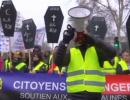 شاهد .. استمرار مظاهرات السترات الصفراء في باريس