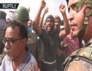 محتجون يغلقون محطة لضخ النفط في صحراء تطاوين