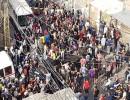 شاهد : مظاهرات فلسطينية في مخيم عين الحلوة رفضا لقرار وزير العمل اللبناني بحق الفلسطينين