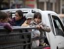 الآلاف ينزوحون في إدلب وحلب بسبب حملة النظام السوري العسكرية يوميا